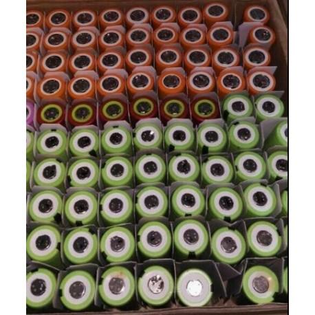 100 (more) tested 18650 inside 1600-1799 mah no holder